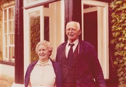 Robert & Hilda Graveling.