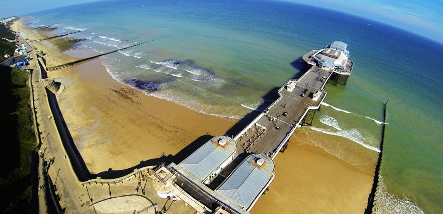 Cromer beach and pier. Image by hubba+p.