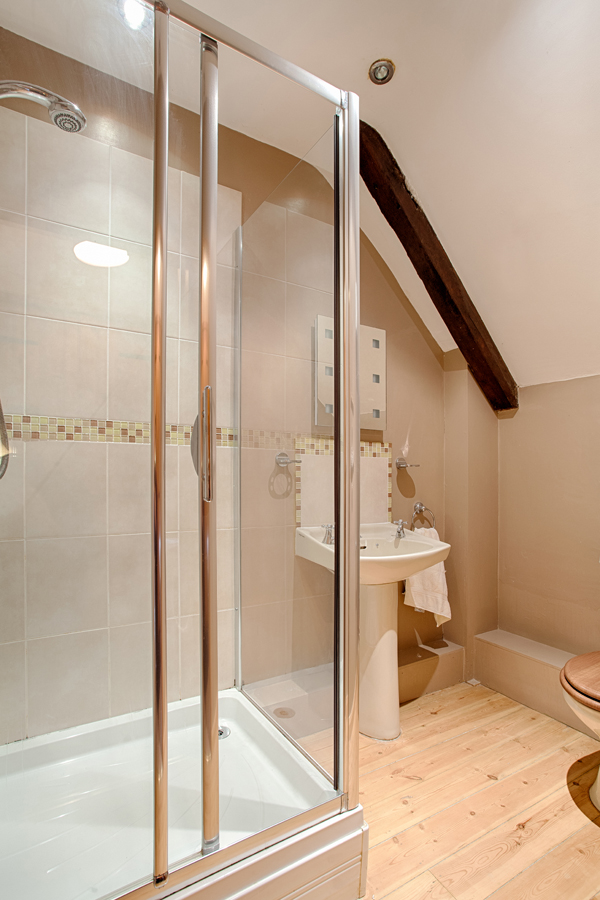 Bathroom - The Barn holiday cottage.